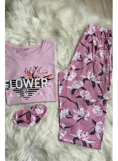 Elif İç Giyim Kadın Pembe Çiçek ve Yazı Detaylı Kapri Pijama Takımı Pembe